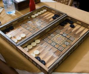 Backgammon - طاولة الزهر